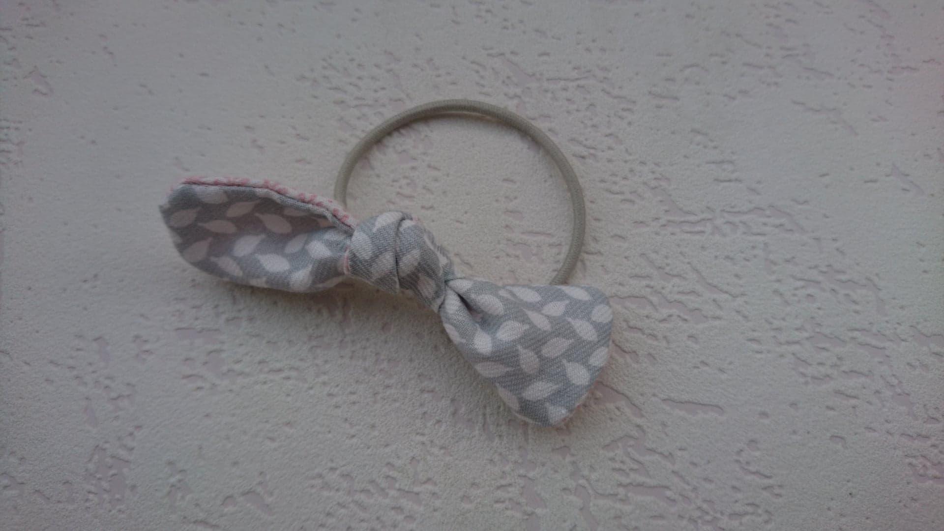 Noeud pour cheveux sur élastique