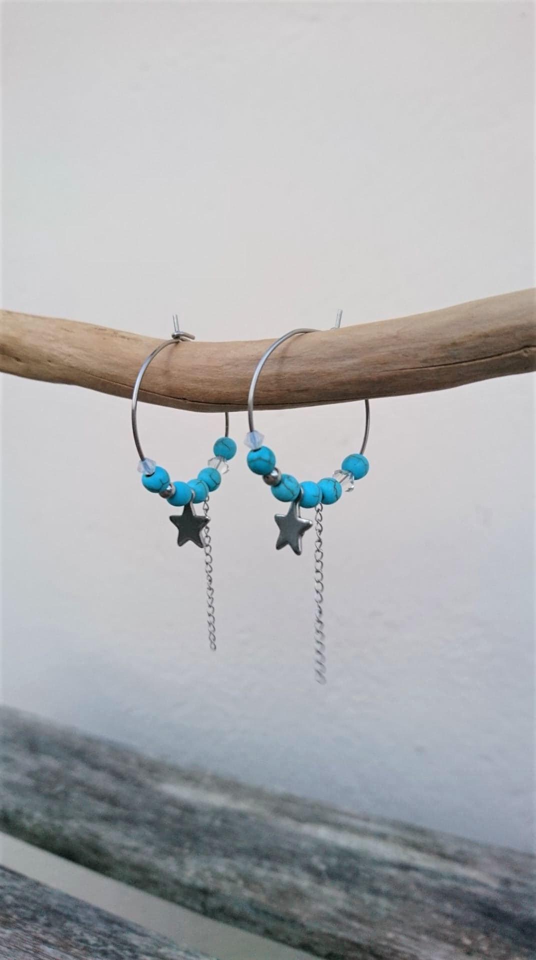 Boucles d\'oreilles créoles acier inoxydable/howlite turquoise/cristal MM
