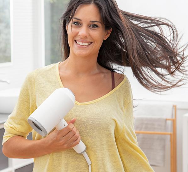 Sèche-Cheveux Ionique Pliable avec Accessoires 1600W
