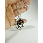 flore, collier dentelle by belladone