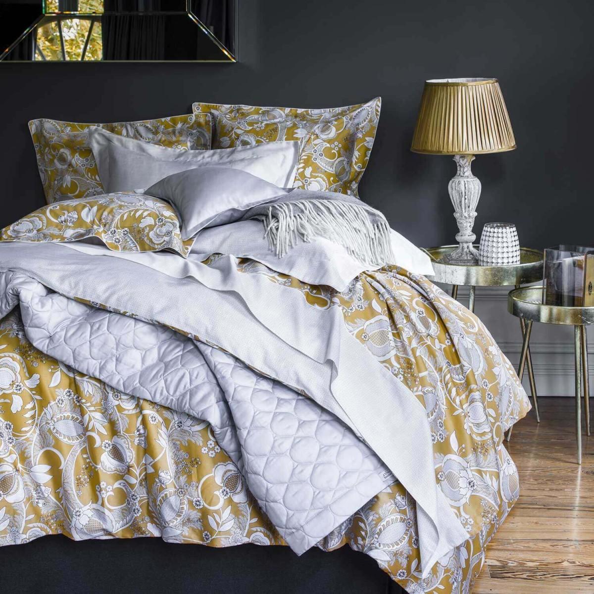 alexandre-turpault-parure-de-lit-jaune-haut-de-gamme-satin-coton-mogador-ambiance
