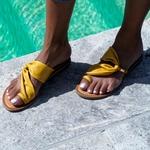 sandale-pour-femme-les-petites-bombes-bresilia-moutarde_1