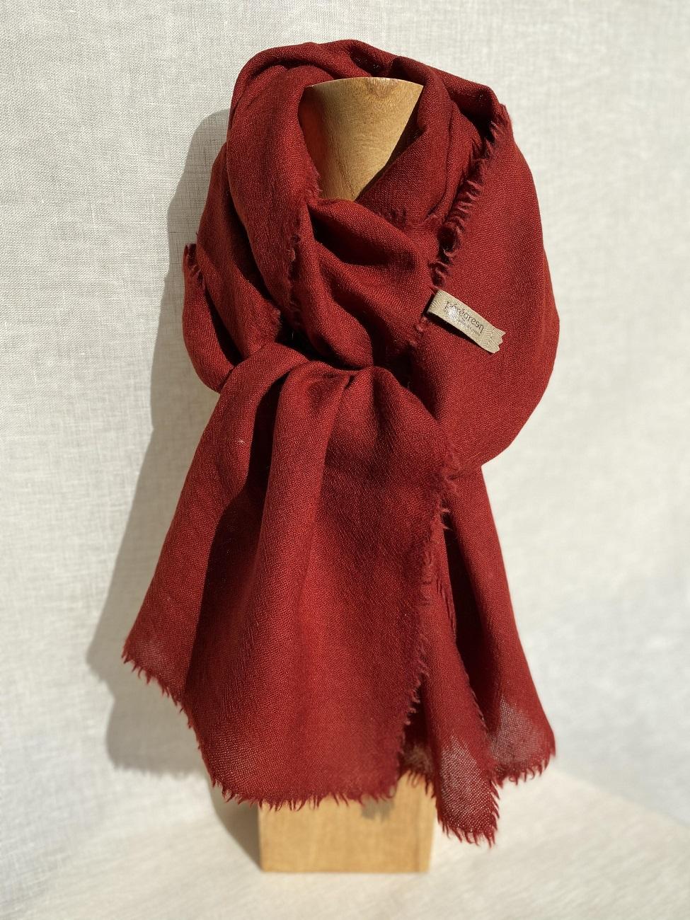 Echarpe pure laine rouge, couleur naturelle Pérégreen