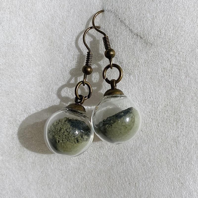 Boucles d\'oreilles - vert - crochets bronze