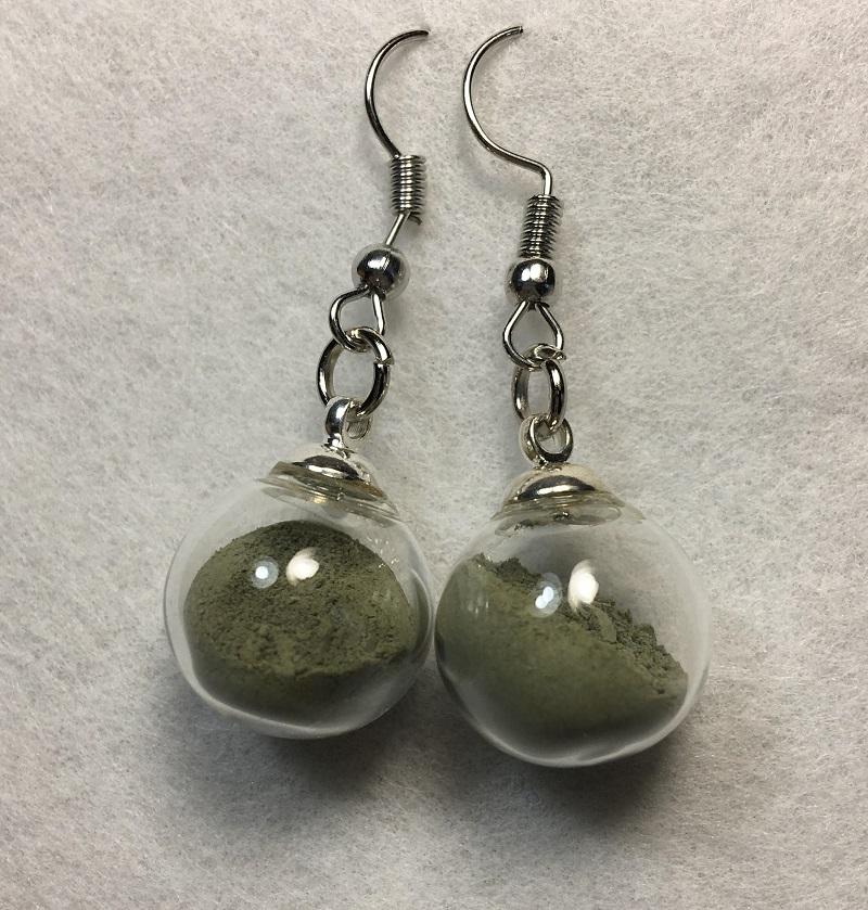 Boucles d\'oreilles - vert - crochets argentés