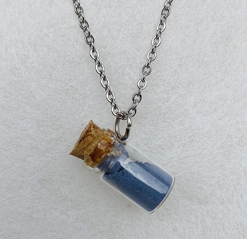 Collier ras de cou - pendentif mini-flacon - bleu Colette