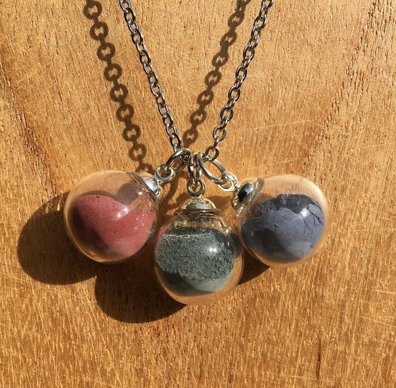 Collier chaine 3 bulles (rose-emeraude-bleu)
