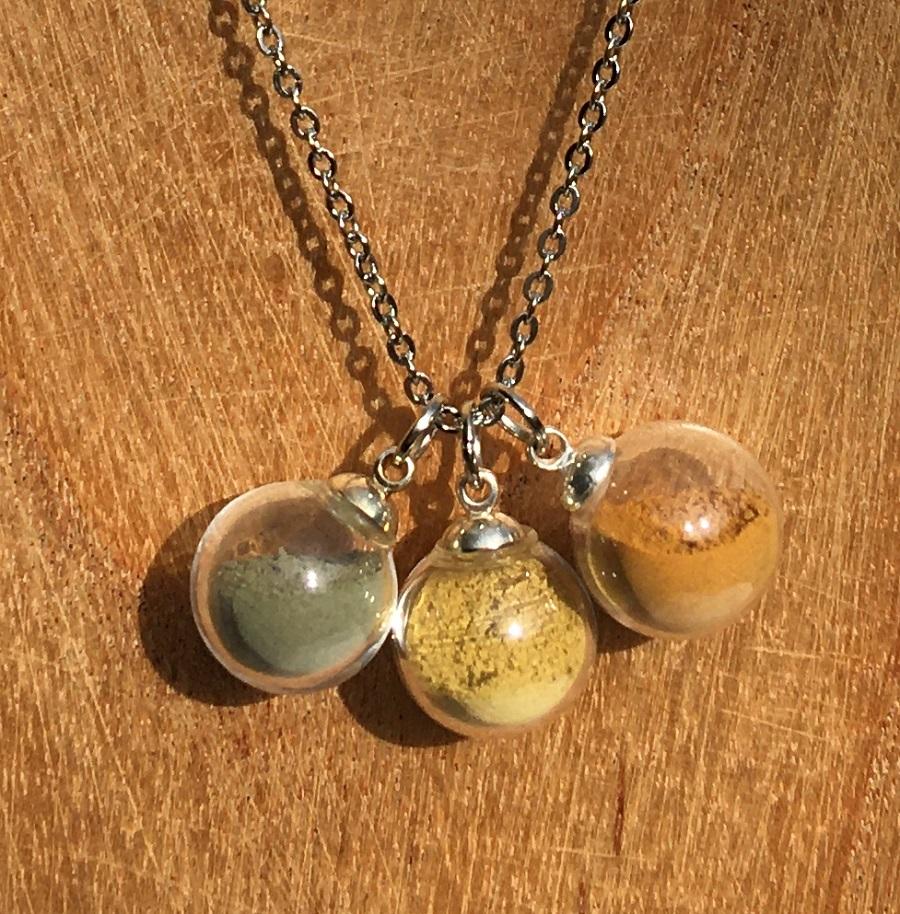 Collier chaine 3 bulles (vert-jaune-orangé)