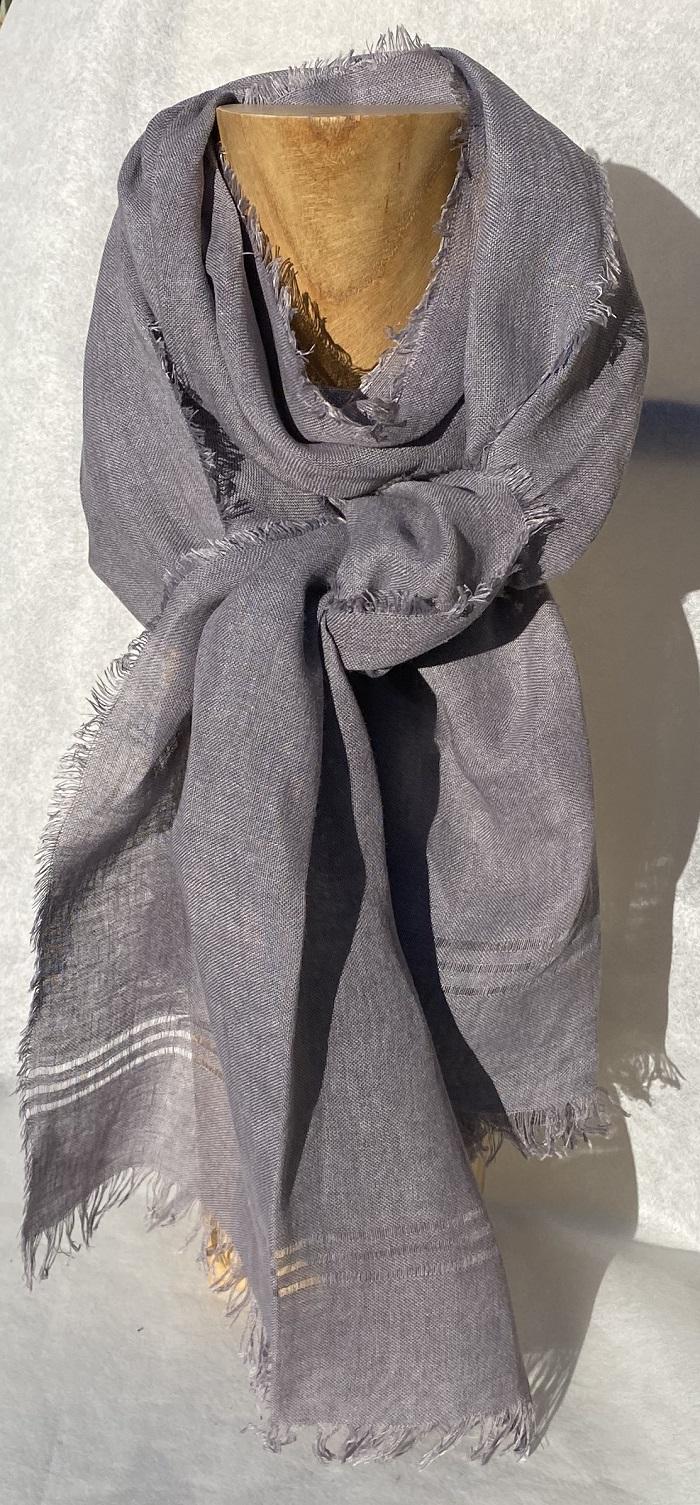 Foulard pur lin bleu - couleur et teinture naturelle