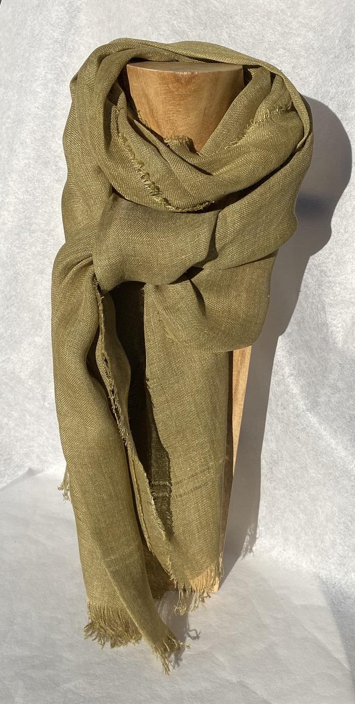 Foulard pur lin vert -couleur et teinture naturelle
