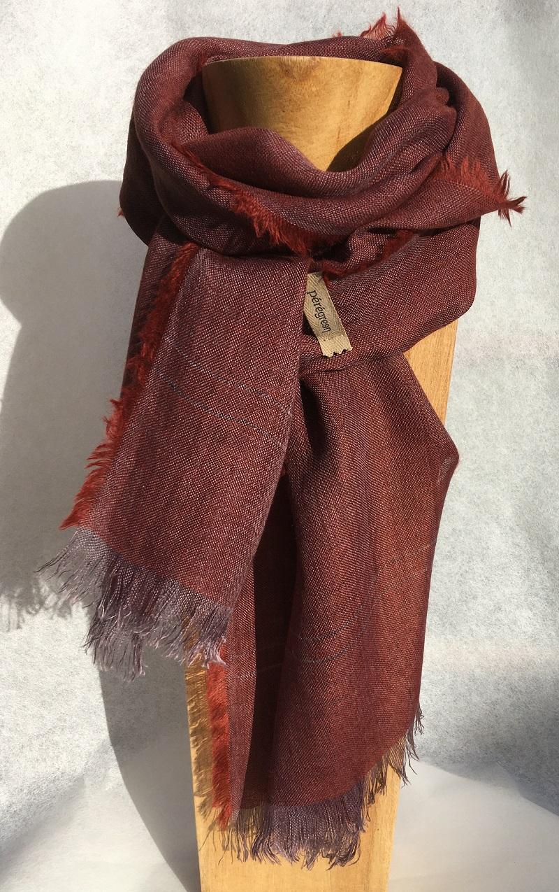 Petit foulard grenat lin alpaga - couleur et teinture naturelle