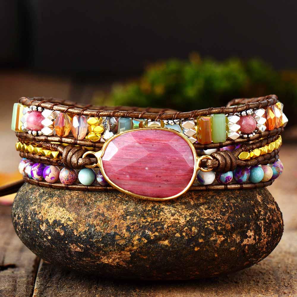 Bracelets femmes en cuir avec pierres.