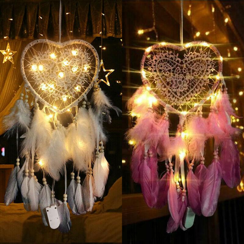 Attrape rêves avec LED et cerceau forme cœur.