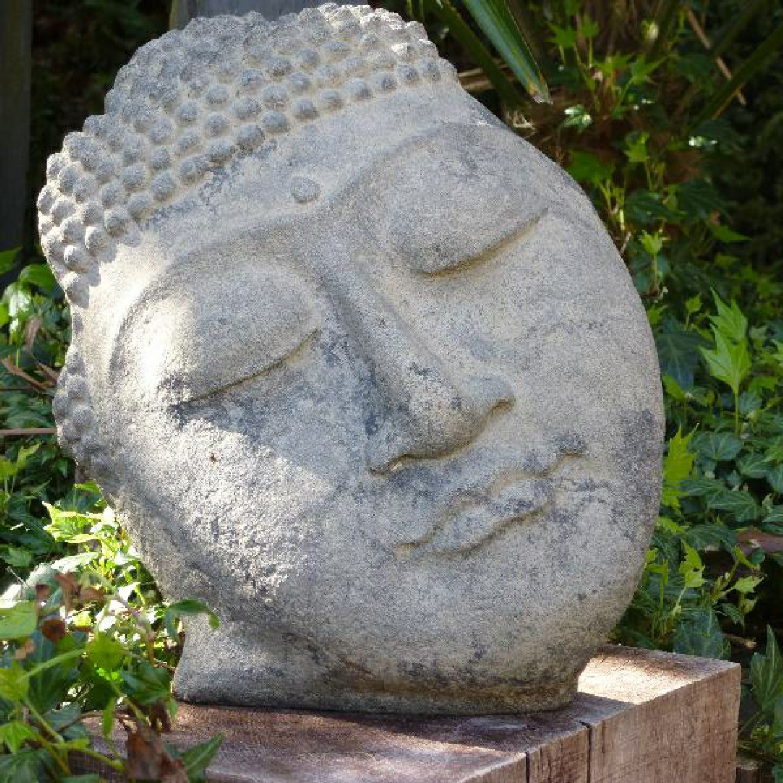 Bouddha Face en Pierre