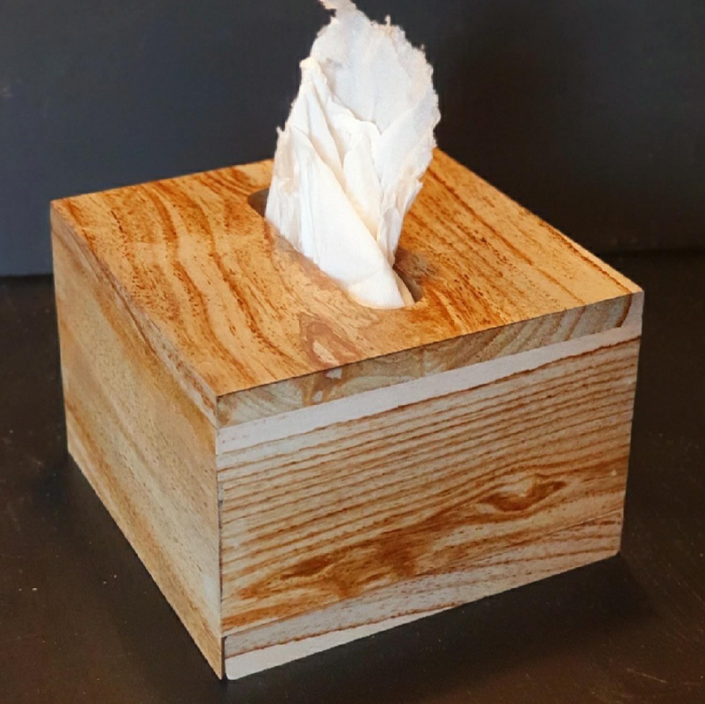 Boite à Mouchoirs en bois