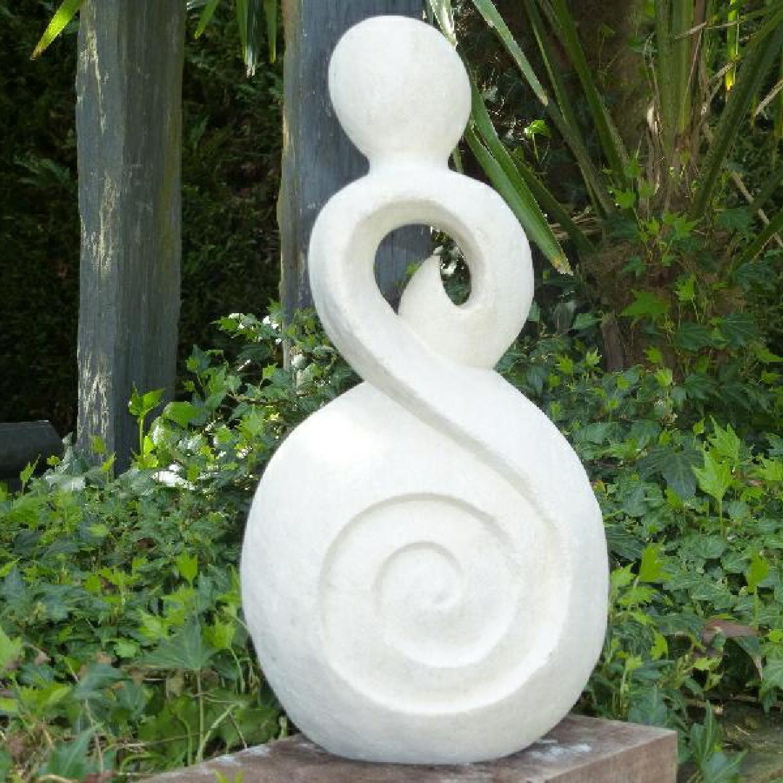 Statue Single en Pierre