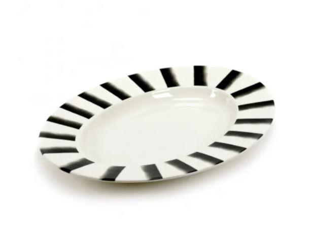 plat ovale rayé