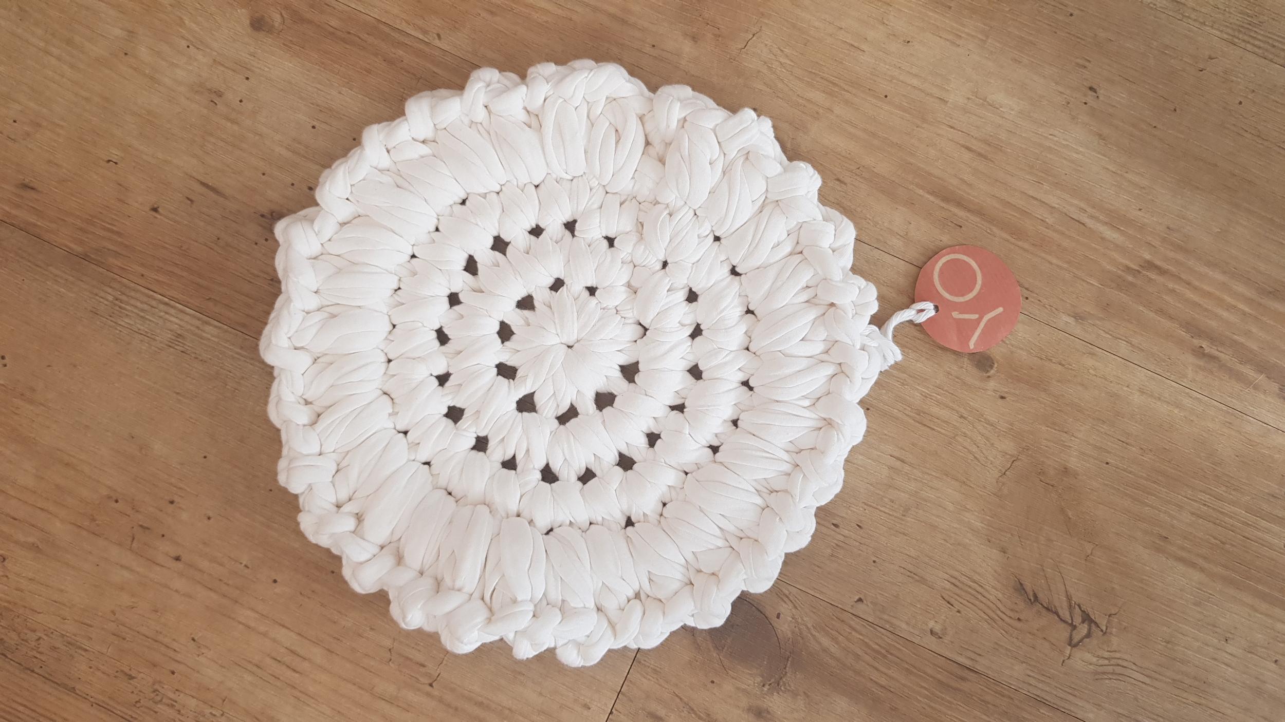 Dessous de plat en crochet 38€