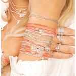 IMG_7564 - femme portant poignet corail