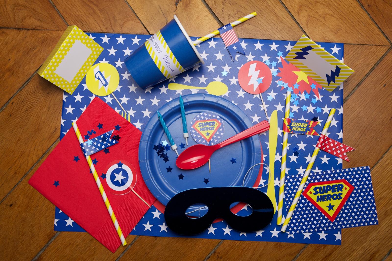 Carte anniversaire anim e super heros - Carte anniversaire super heros ...