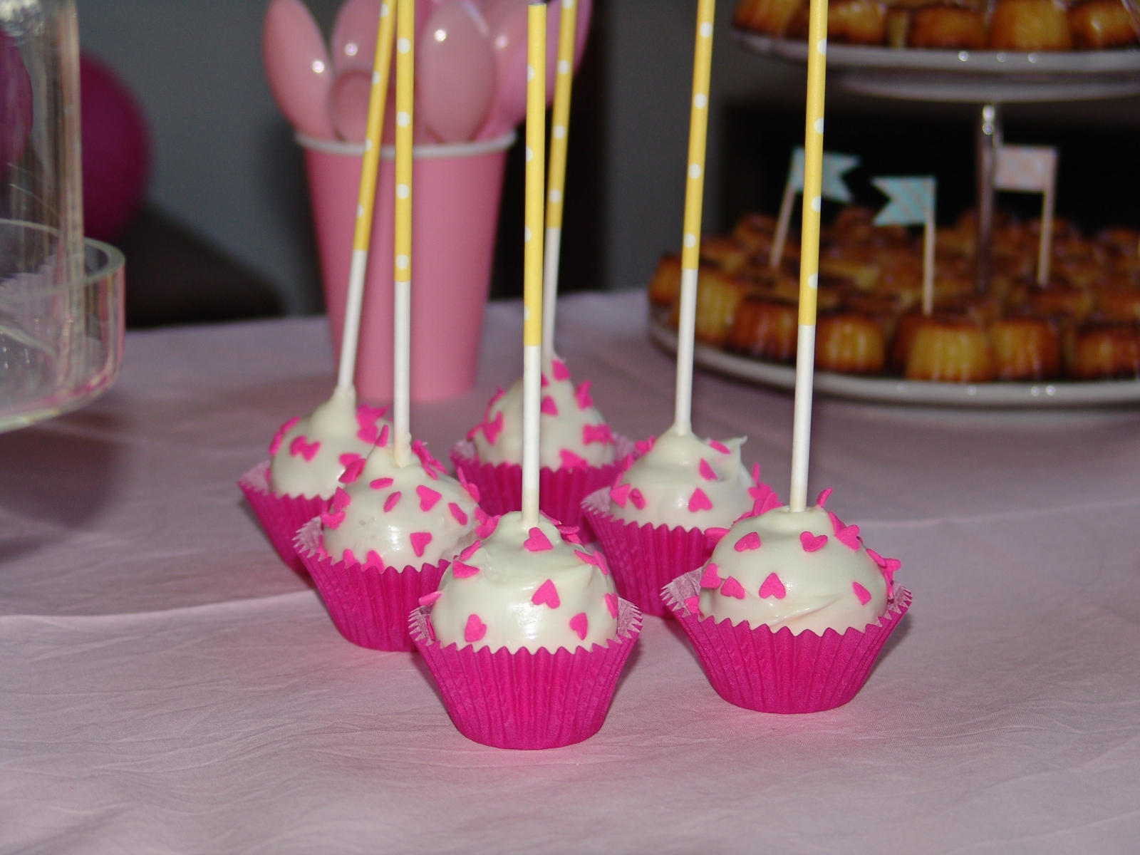 la fameuse recette des cake pops recettes sweet party day. Black Bedroom Furniture Sets. Home Design Ideas