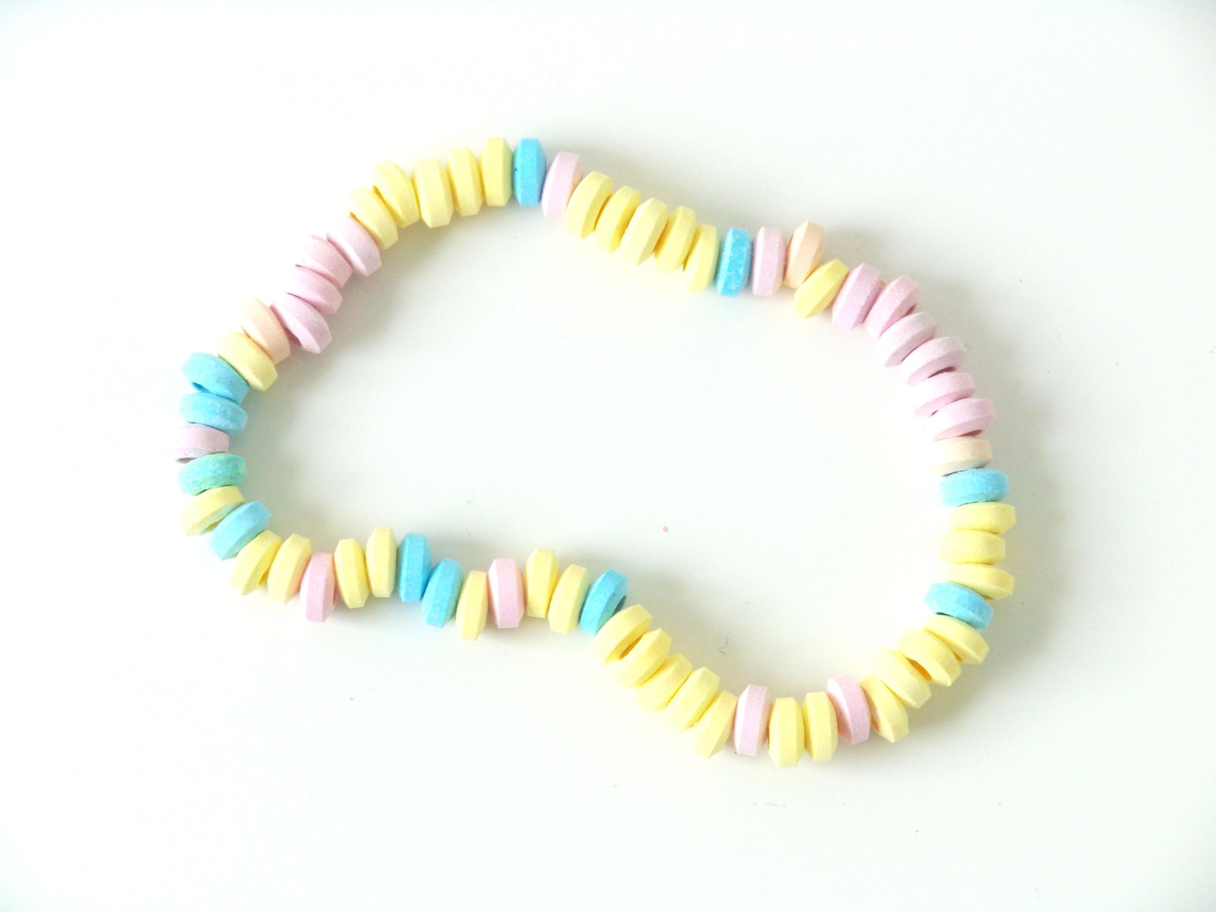 collier-de-bonbons