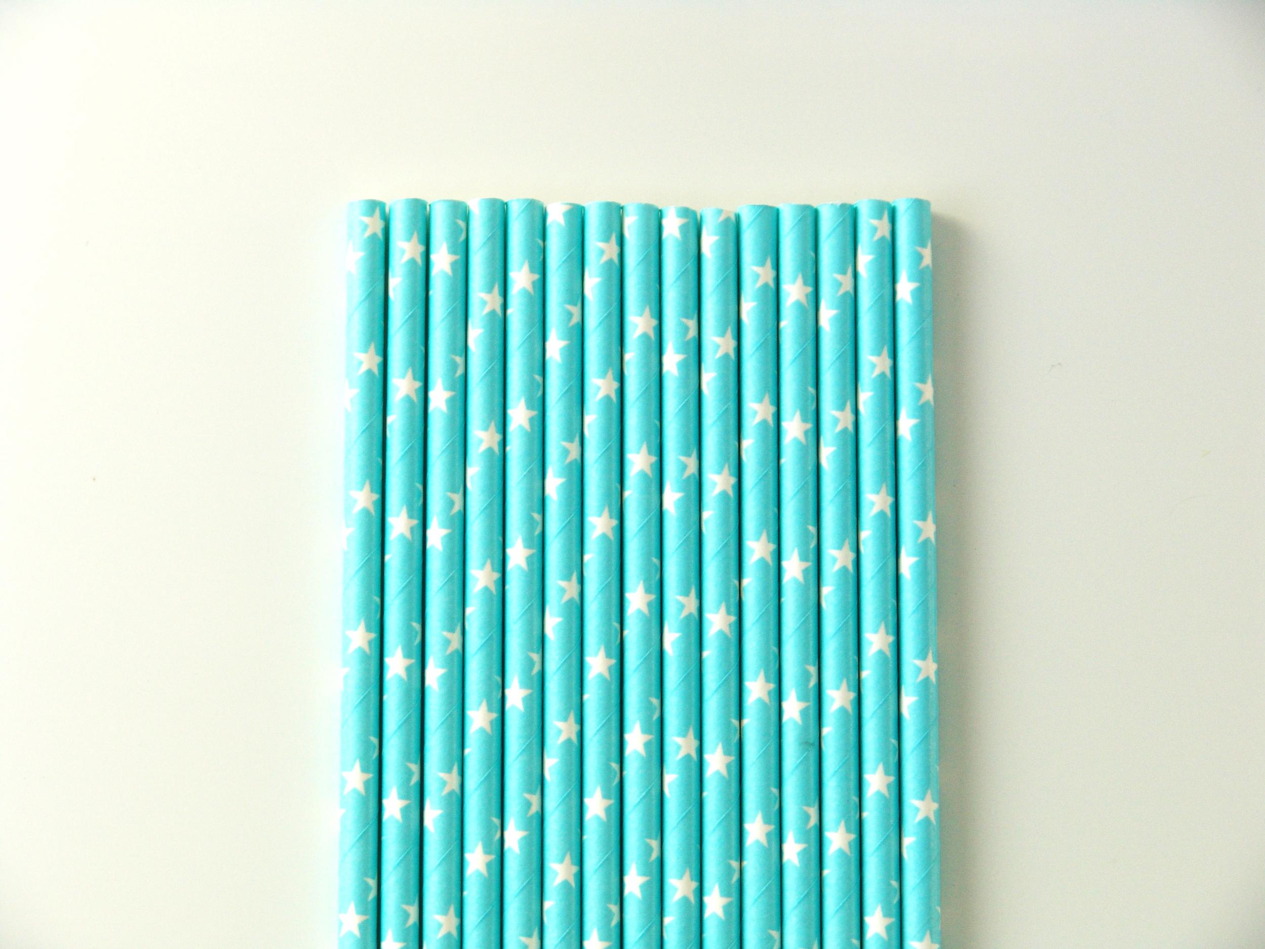 paille-etoile-bleu-en-papier