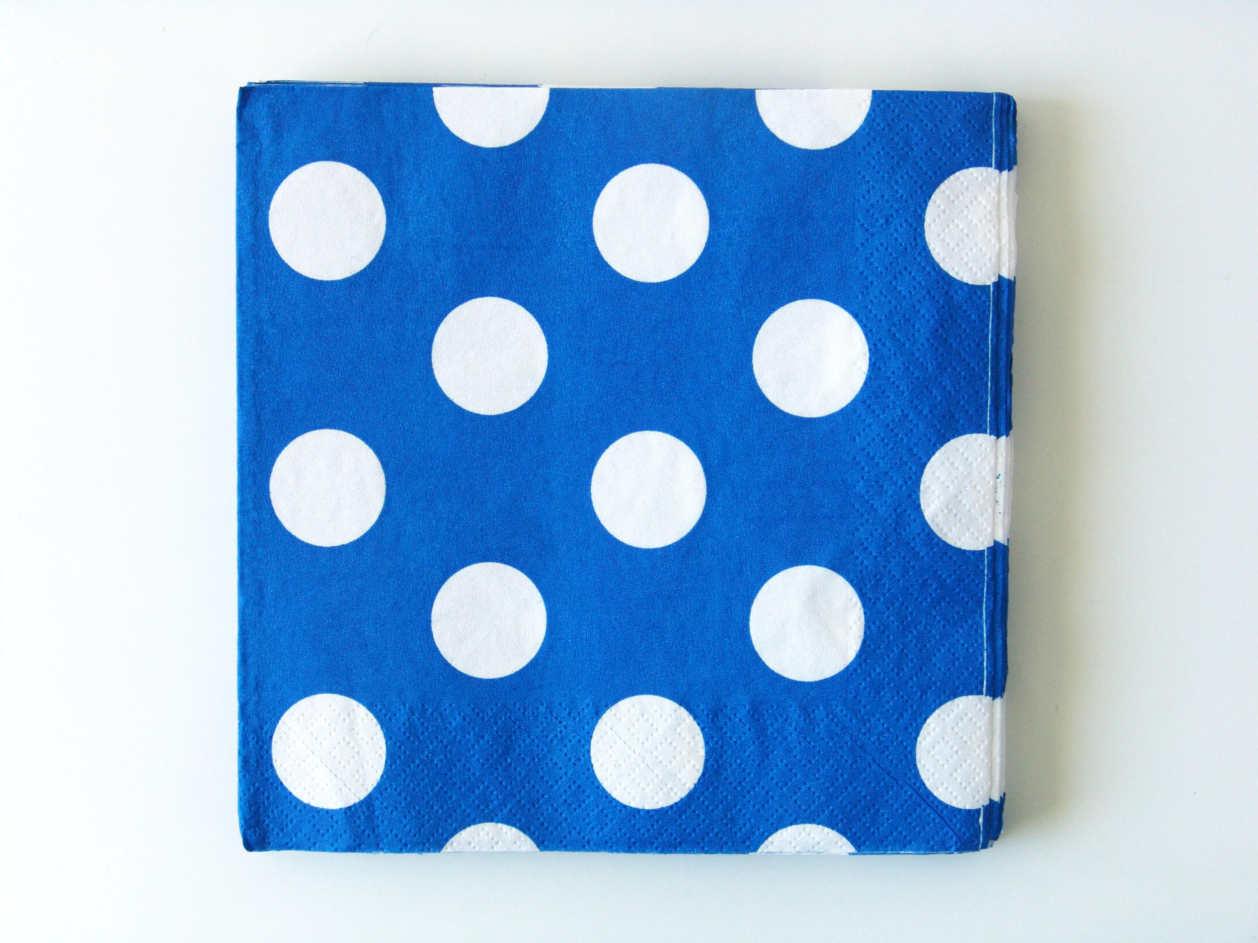 16 serviettes jetables à gros pois