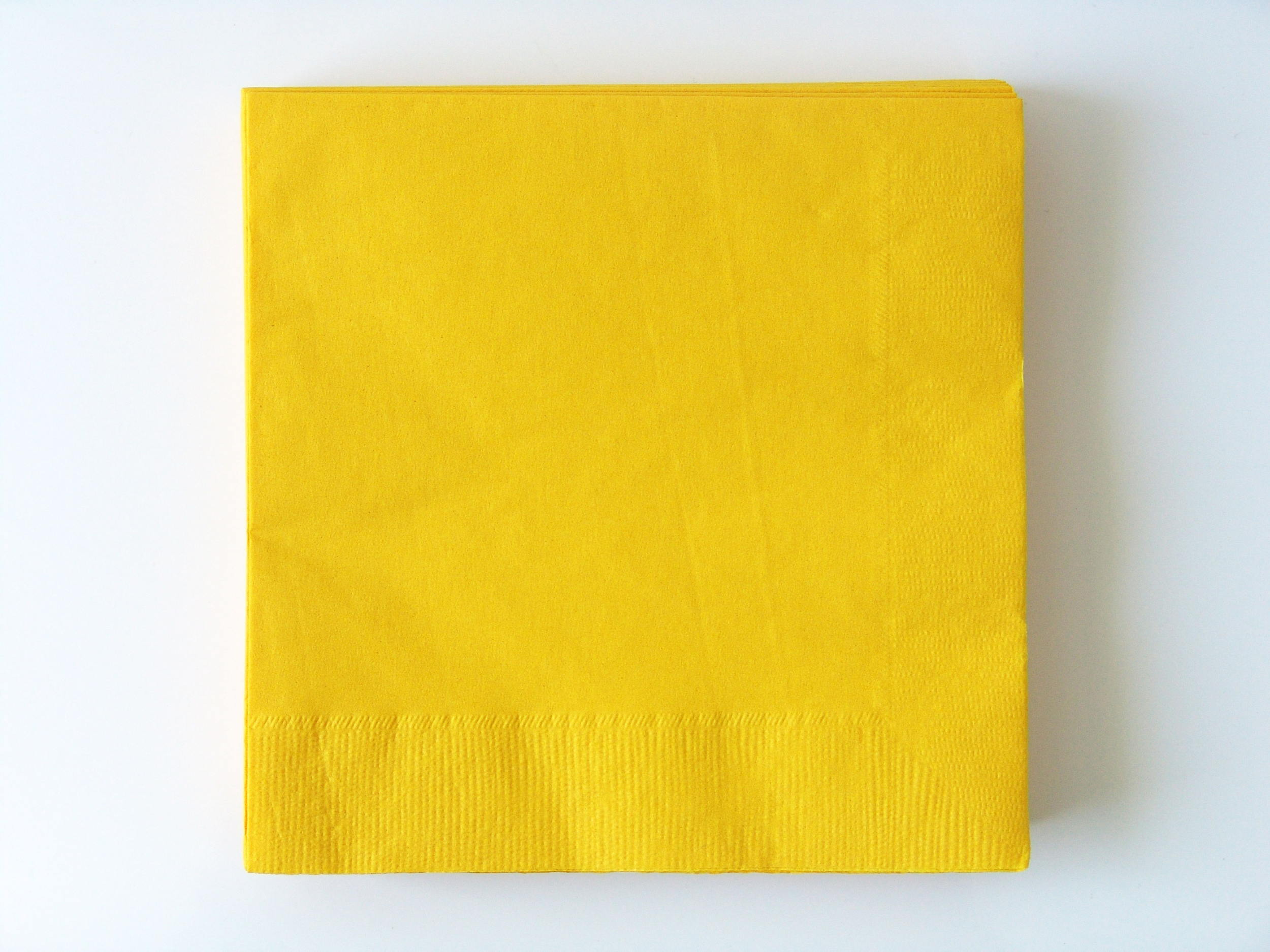 serviette-jetable-jaune-uni