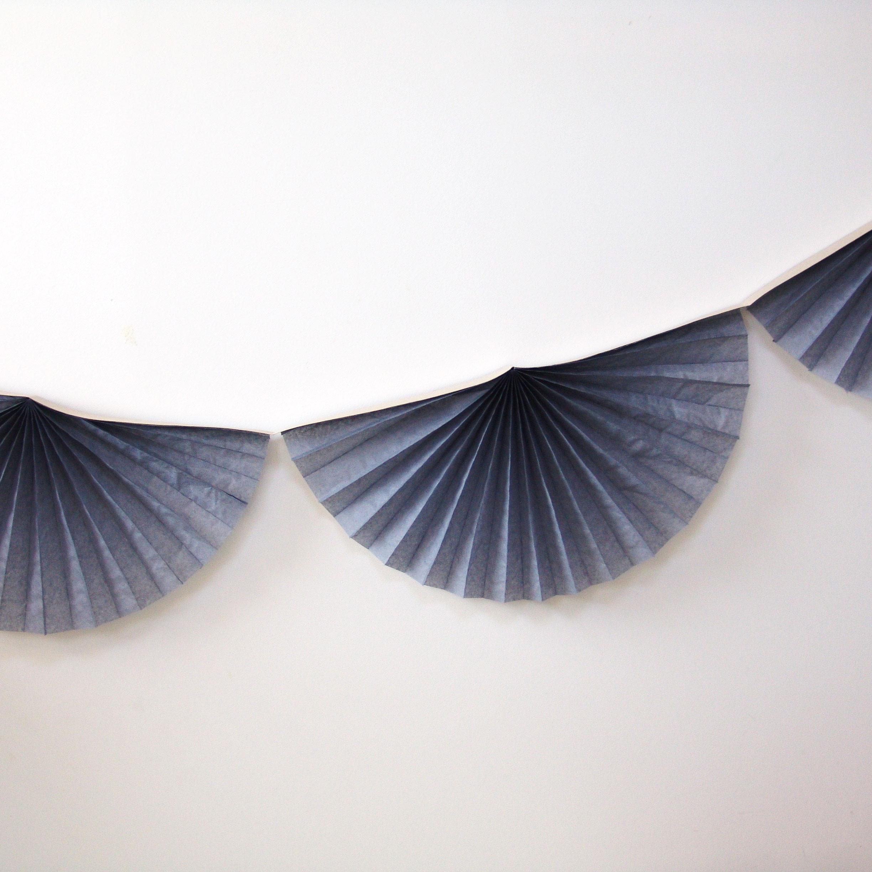 Guirlande rosace papier grise