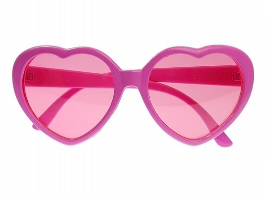 Une paire de lunettes cœur rose