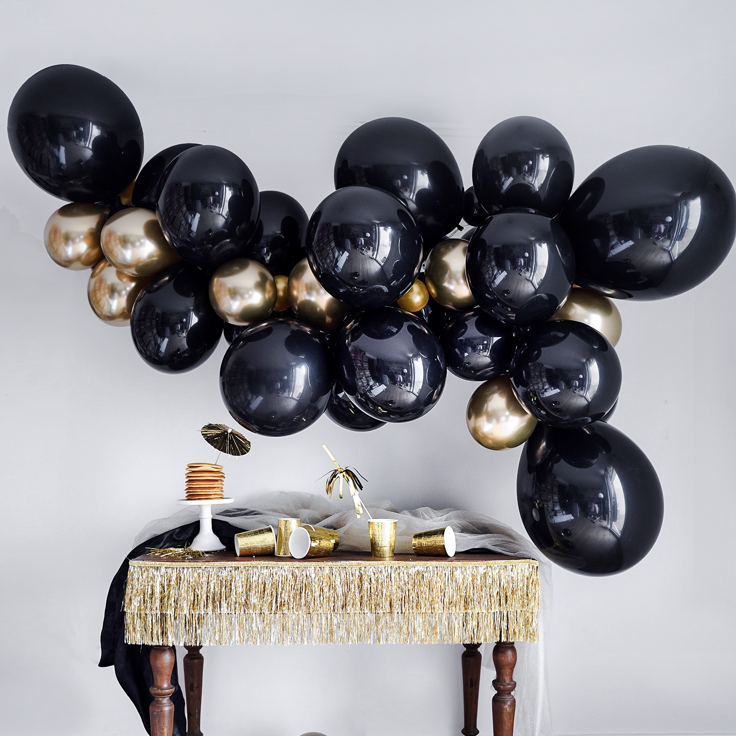guirlande-ballon-noir-et-gold-sweet-party-day