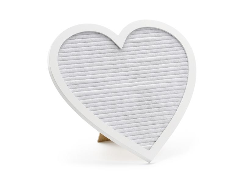 Letter board blanc en forme de cœur