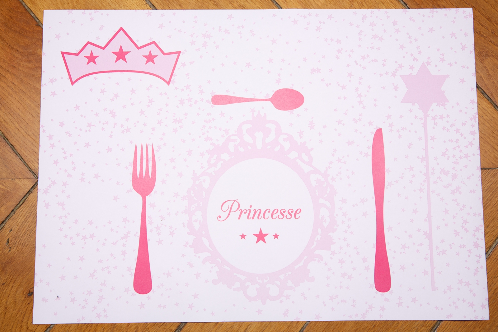 Sets de table anniversaire princesse table sets de table for Set de table paillete