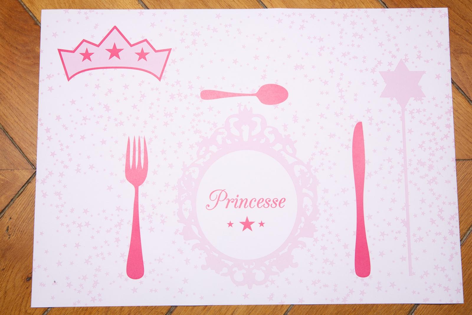 Sets de table anniversaire princesse table sets de table for Set de table paille