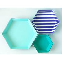3 plats jetables en carton hexagonaux