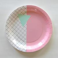 12 assiettes carton à carreaux