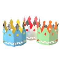 8 couronnes en carton de Roi et Reine