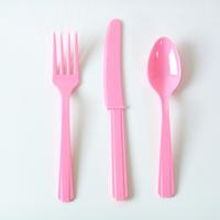 24 couverts en plastique rose clair
