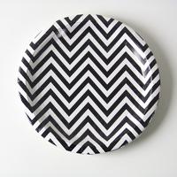 12 assiettes carton chevron noir