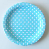 12 assiettes carton bleu clair à pois blancs