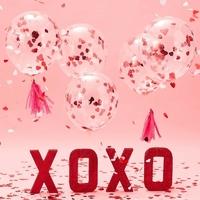 5 ballons confettis coeur