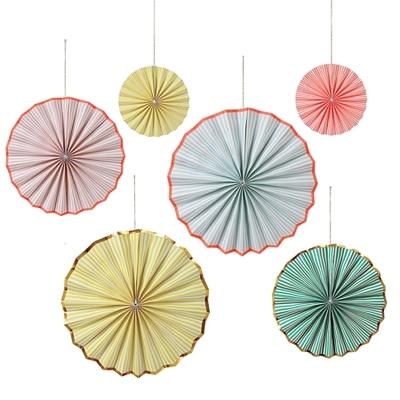 rosace-decorative-pastel-en-papier
