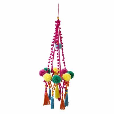chandelier-boho-a-pompons-talking-tables