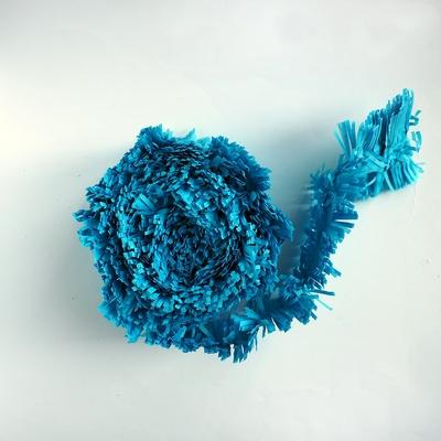 guirlande-papier-bleu-a-franges