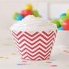 12 contours à cupcakes chevron rouge