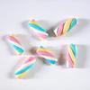 10 guimauves multicolores torsadées