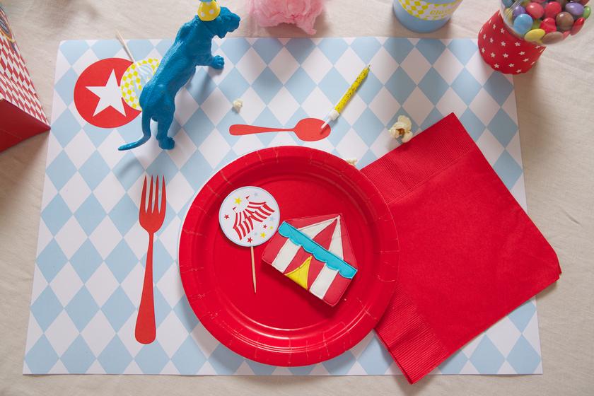 kit deco anniversaire theme cirque enfant achat vente. Black Bedroom Furniture Sets. Home Design Ideas