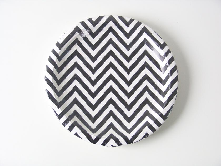 assiette jetable mariage en carton rigide design chevron zig zag. Black Bedroom Furniture Sets. Home Design Ideas