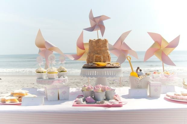 sweet-table-on-the-beach